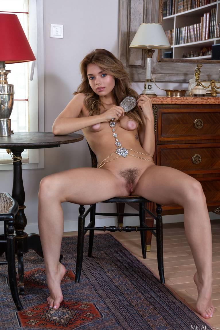 Keira Blue Nude 33