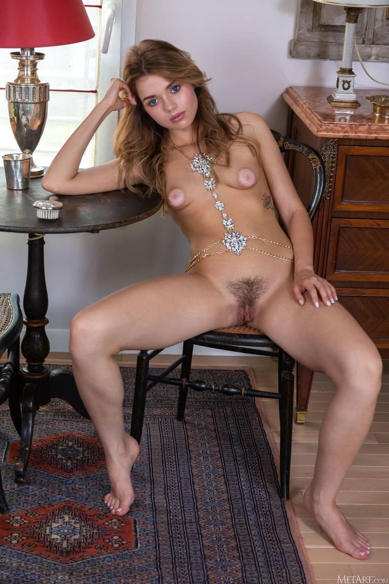 Keira Blue Nude 38