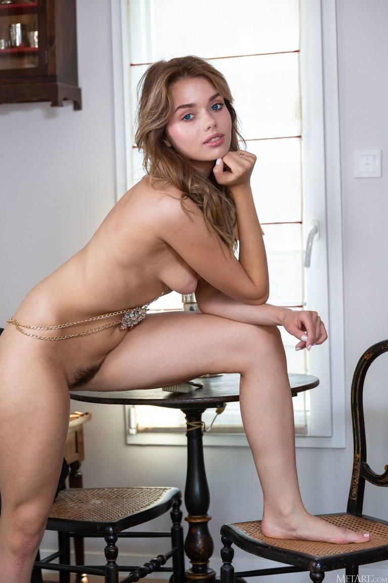 Keira Blue Nude 62
