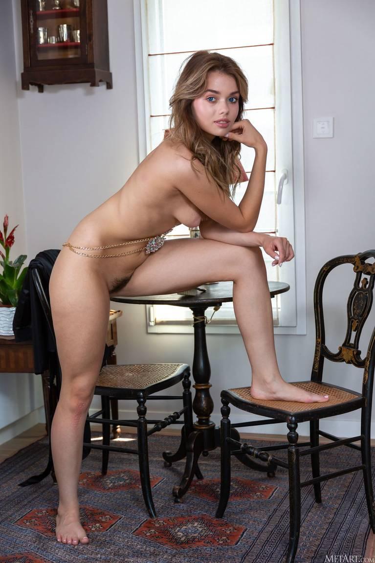 Keira Blue Nude 63