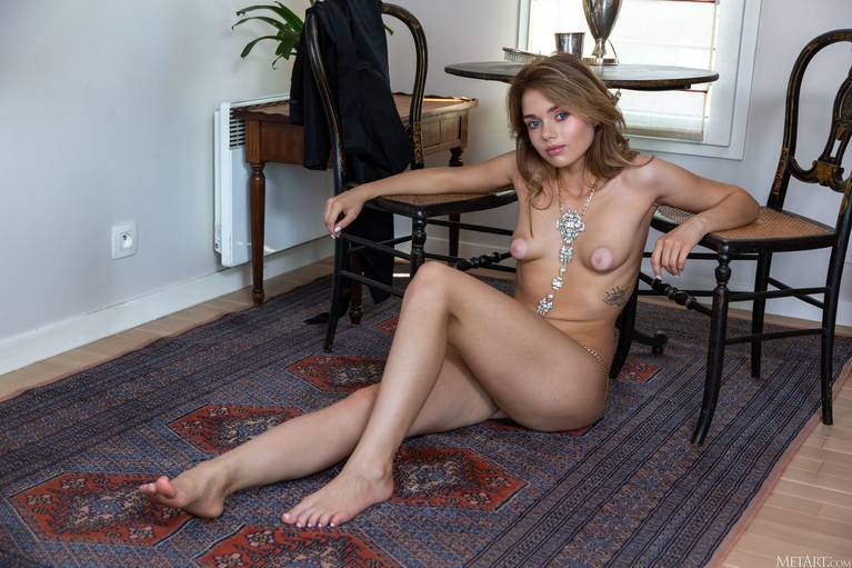 Keira Blue Nude 84