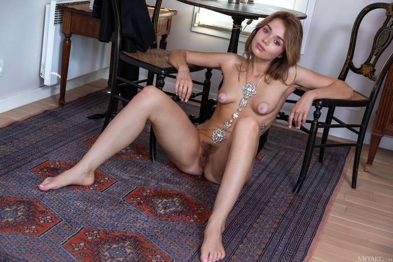 Keira Blue Nude 85