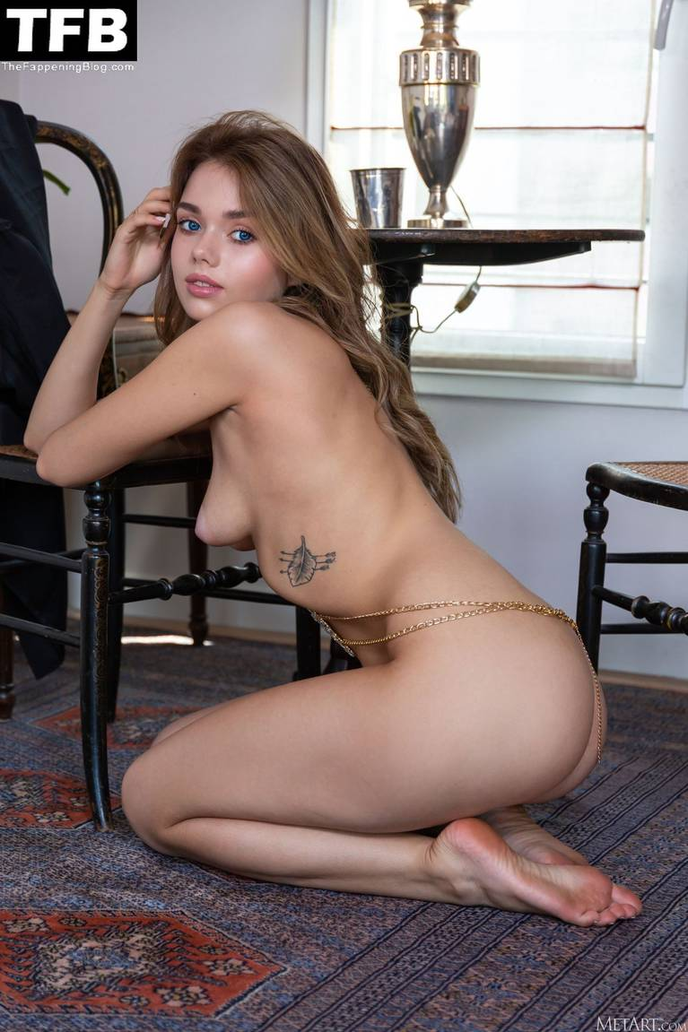 Keira Blue Nude 107