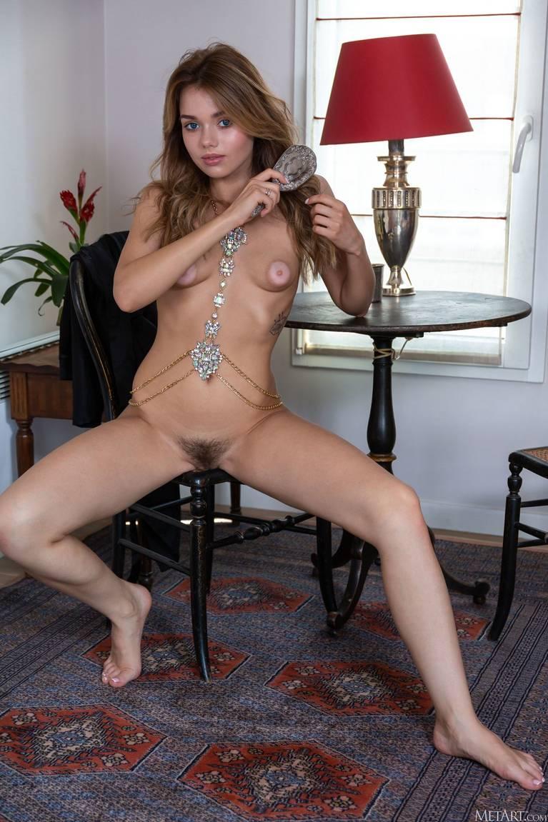 Keira Blue Nude 118