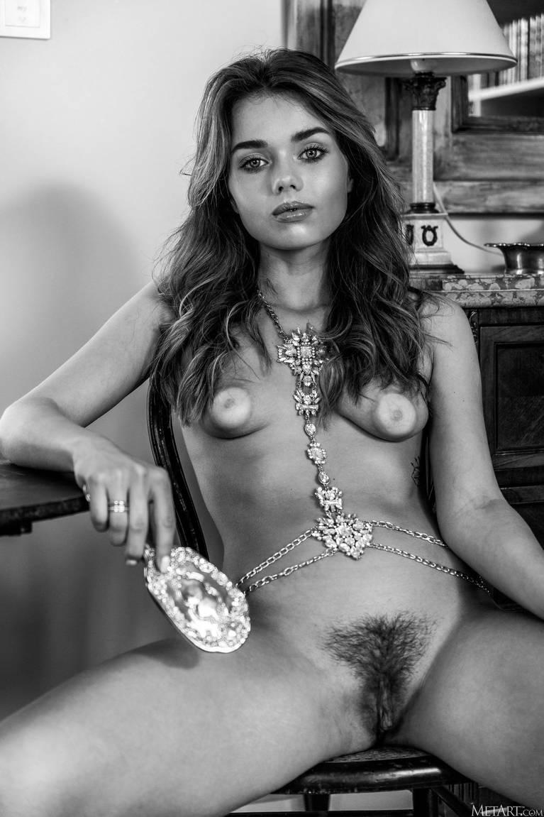 Keira Blue Nude 133