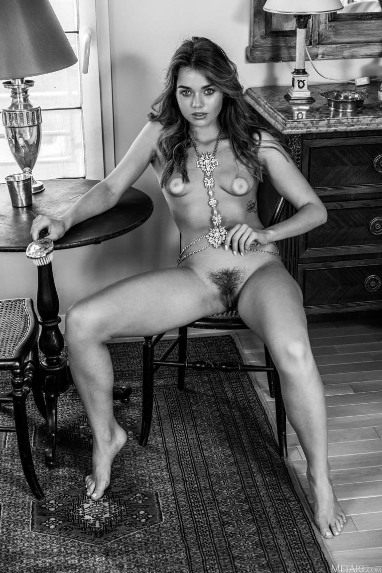 Keira Blue Nude 136