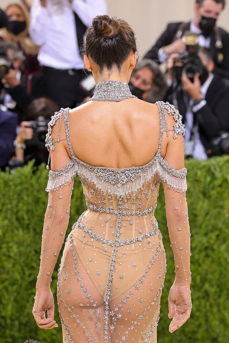 Kendall Jenner Naked Dress 17