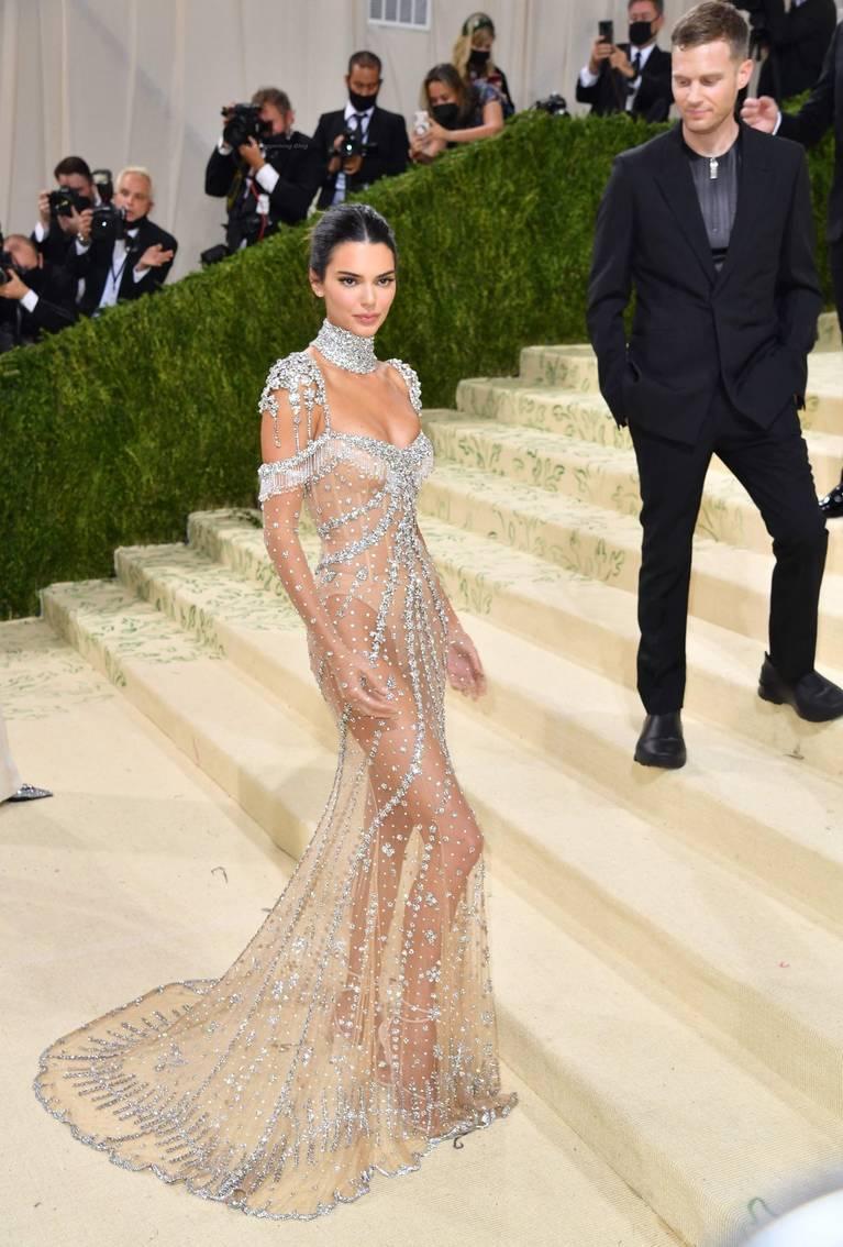 Kendall Jenner Naked Dress 32