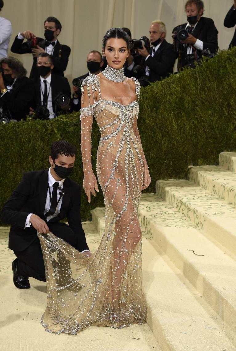 Kendall Jenner Naked Dress 39