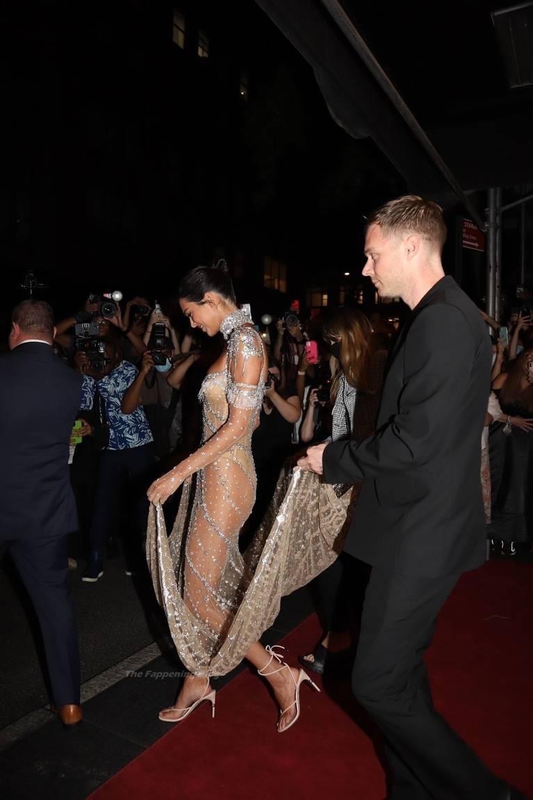 Kendall Jenner Naked Dress 49