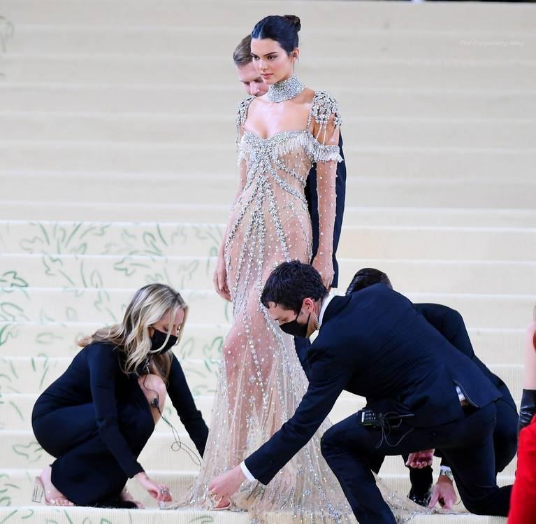 Kendall Jenner Naked Dress 54