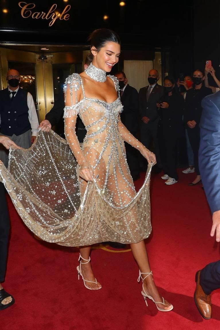 Kendall Jenner Naked Dress 66