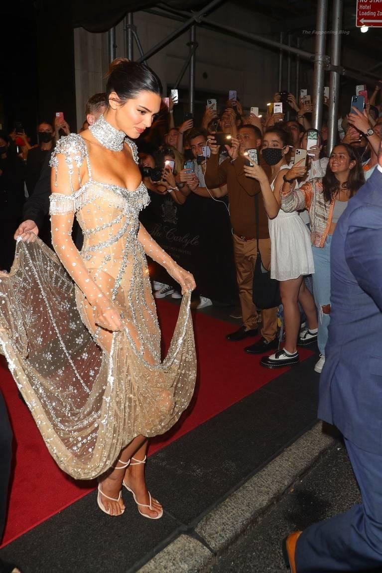 Kendall Jenner Naked Dress 72