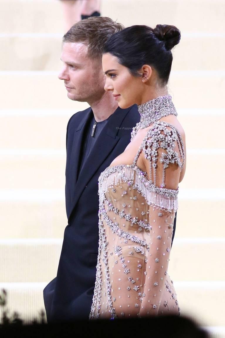 Kendall Jenner Naked Dress 83