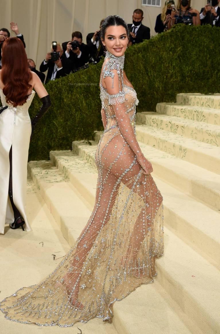 Kendall Jenner Naked Dress 109