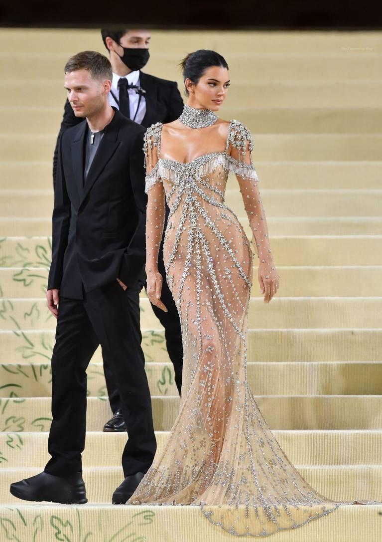 Kendall Jenner Naked Dress 129