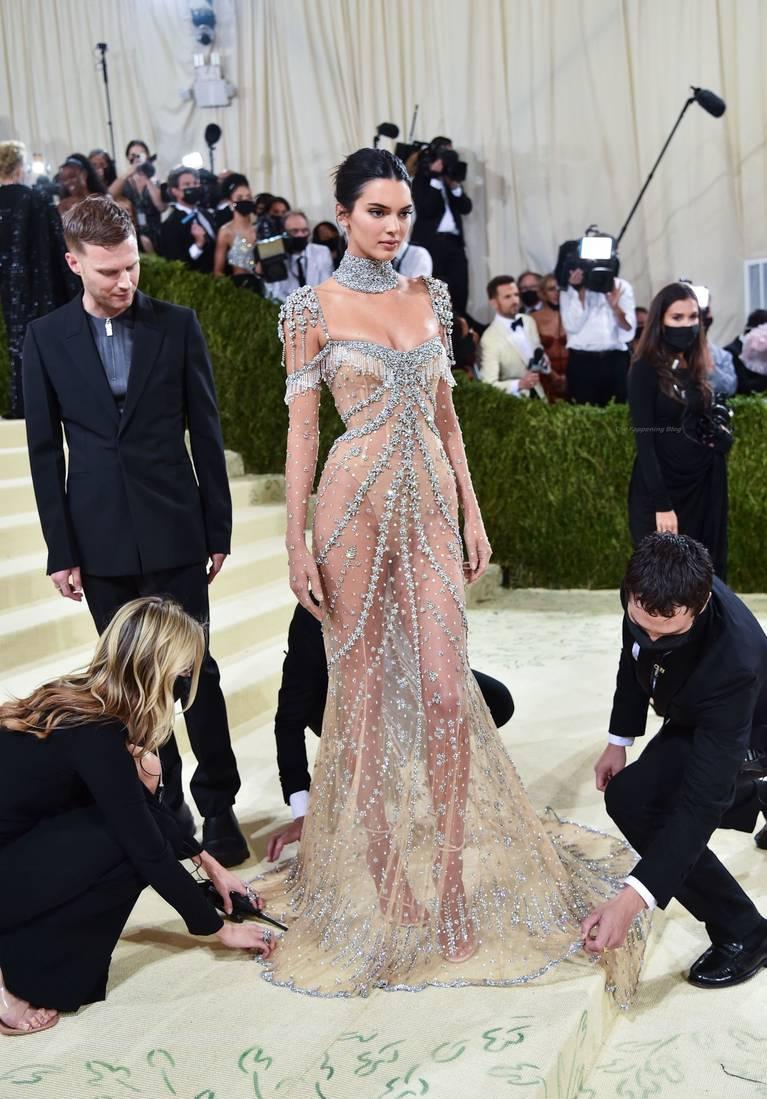 Kendall Jenner Naked Dress 137