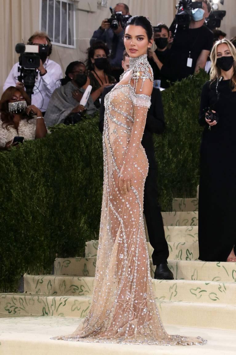 Kendall Jenner Naked Dress 140