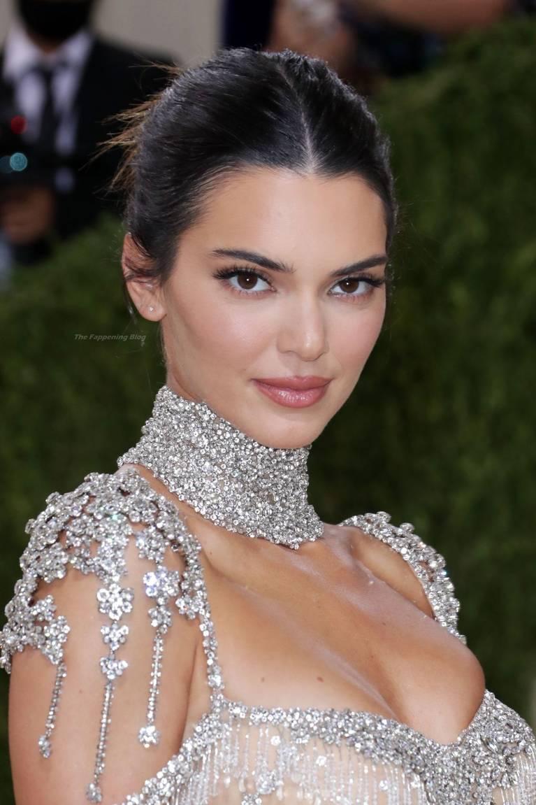 Kendall Jenner Naked Dress 141