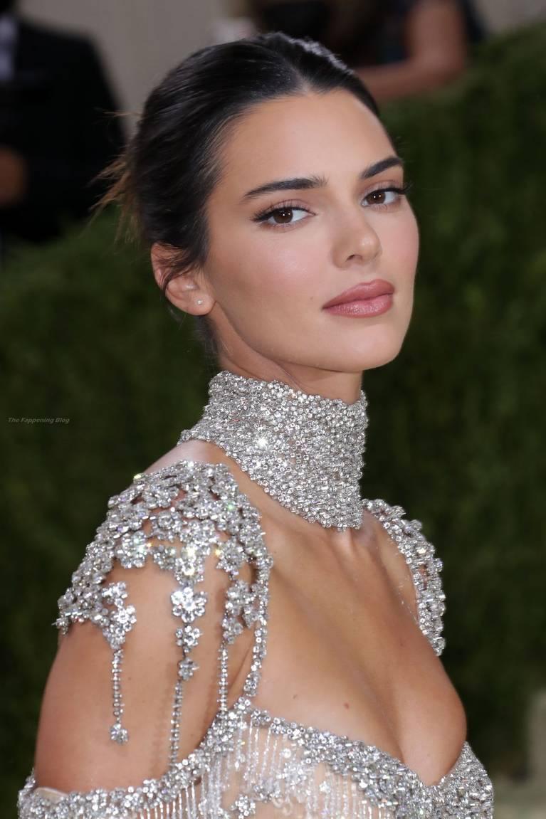 Kendall Jenner Naked Dress 144