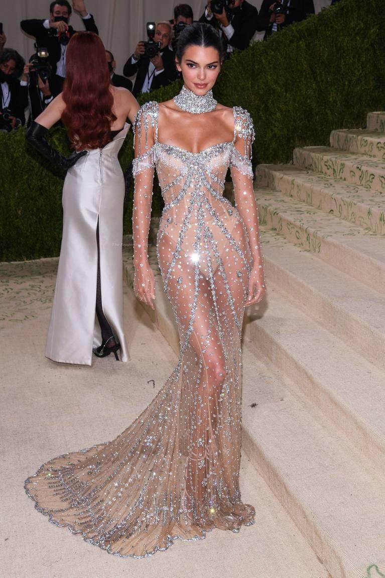 Kendall Jenner Naked Dress 150