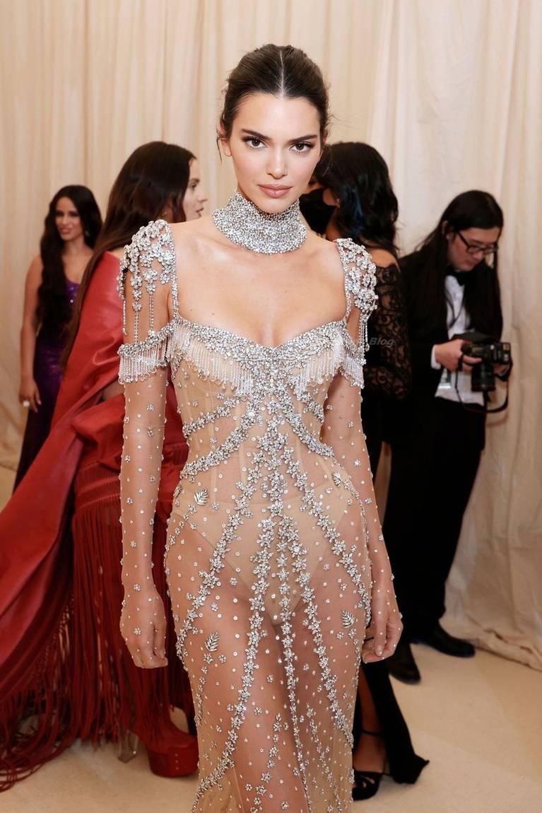 Kendall Jenner Naked Dress 20