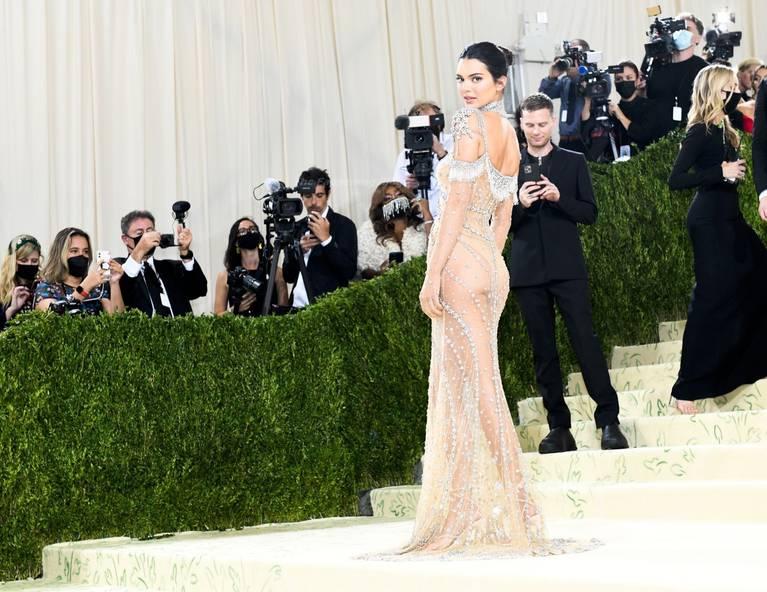 Kendall Jenner Naked Dress 28