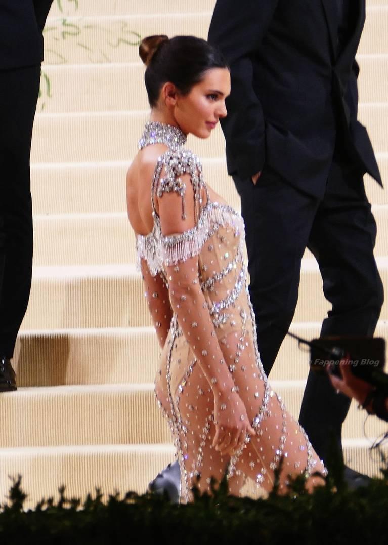 Kendall Jenner Naked Dress 53
