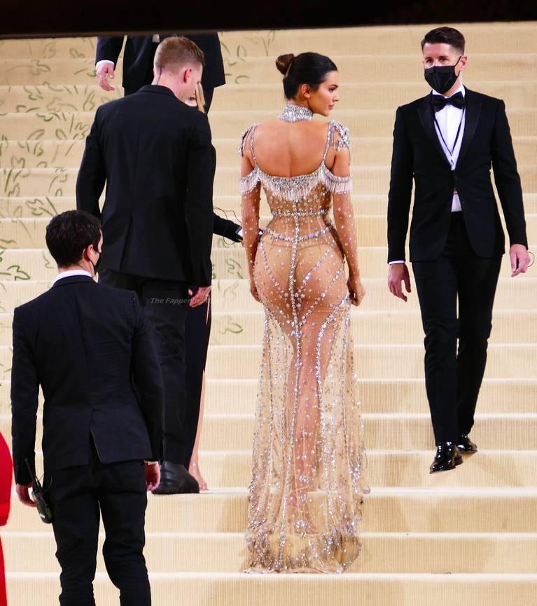 Kendall Jenner Naked Dress 59
