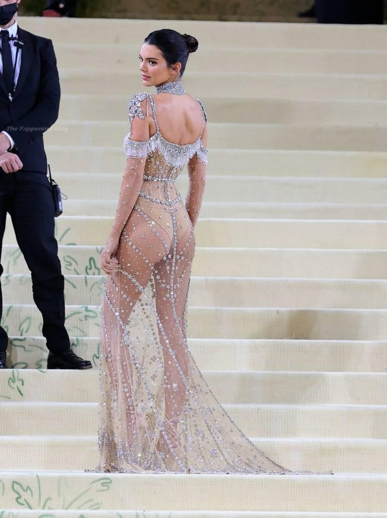 Kendall Jenner Naked Dress 116