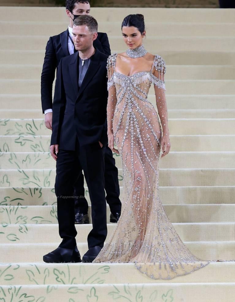 Kendall Jenner Naked Dress 120