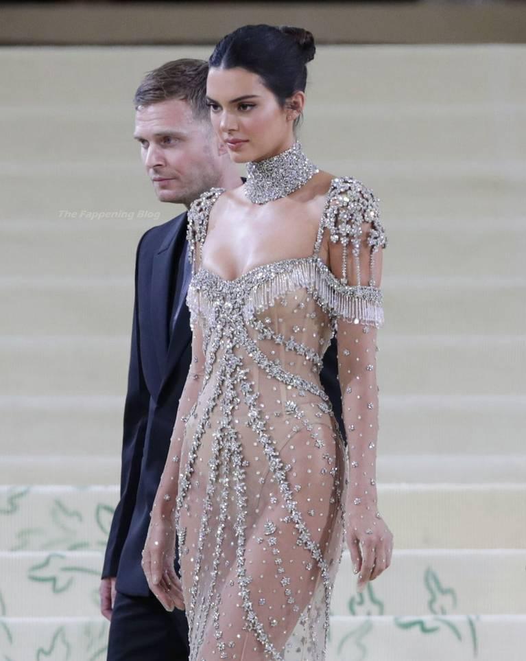 Kendall Jenner Naked Dress 131