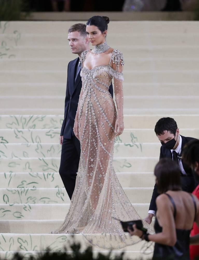 Kendall Jenner Naked Dress 132