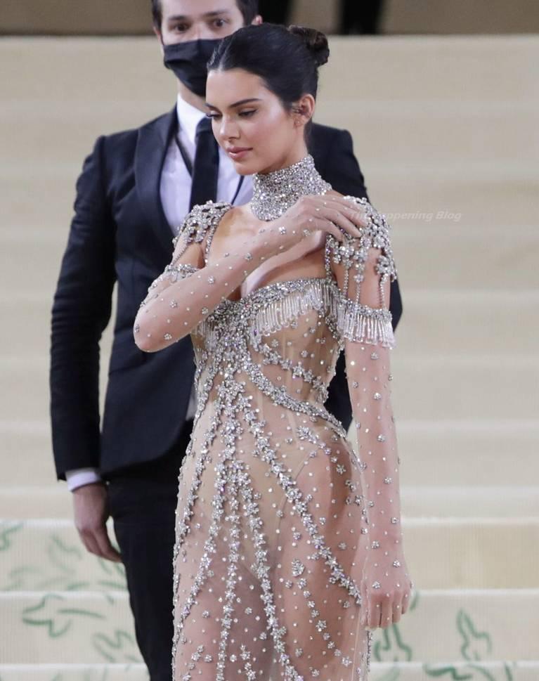 Kendall Jenner Naked Dress 139