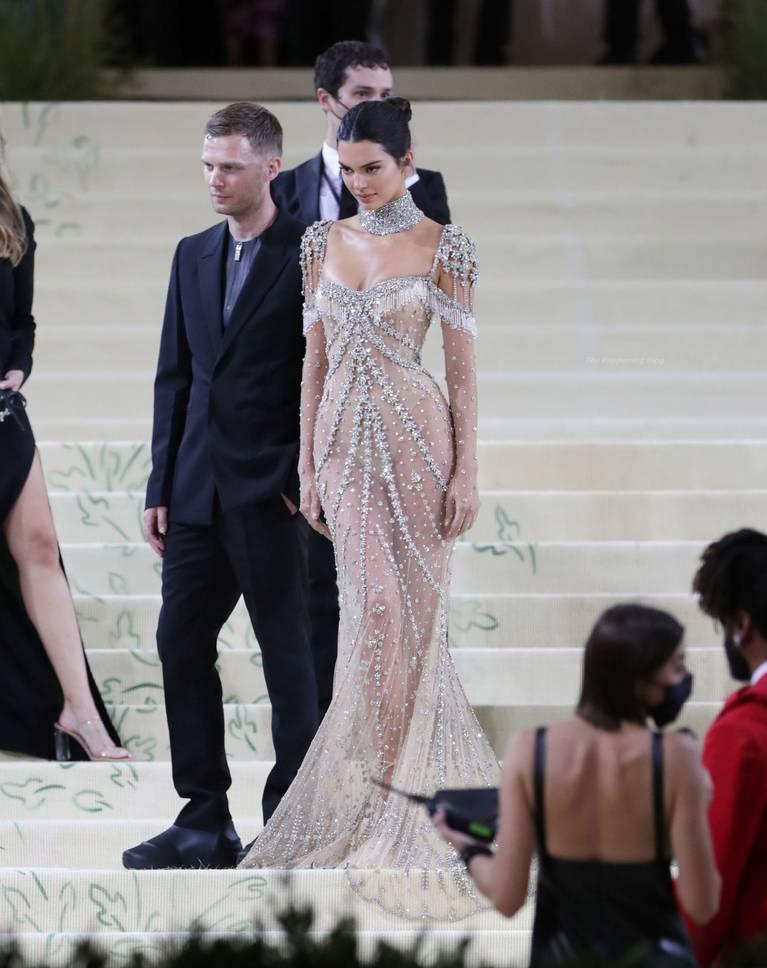 Kendall Jenner Naked Dress 142