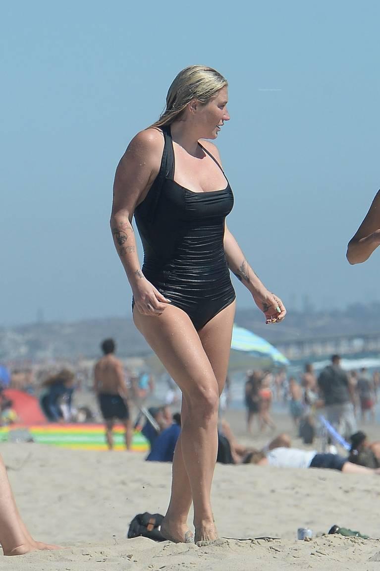 Kesha on Beach 6
