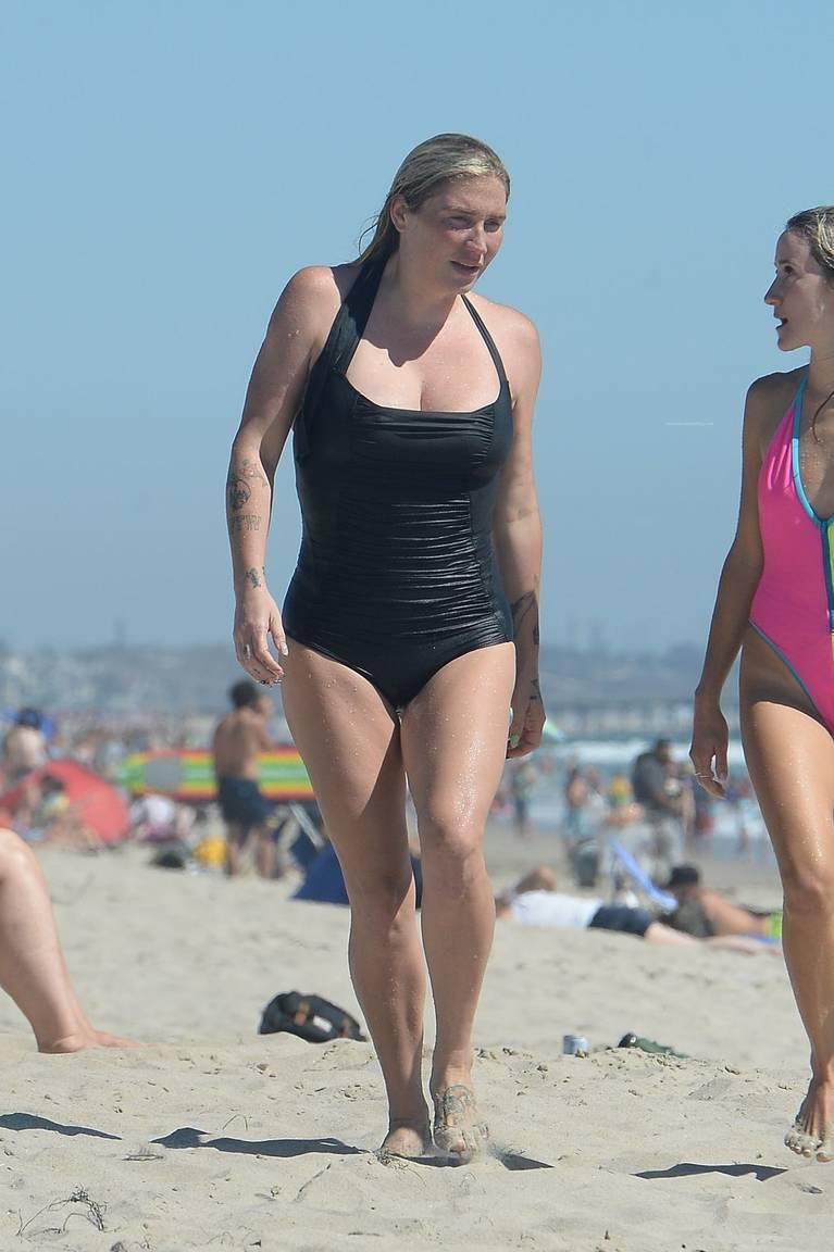 Kesha on Beach 23