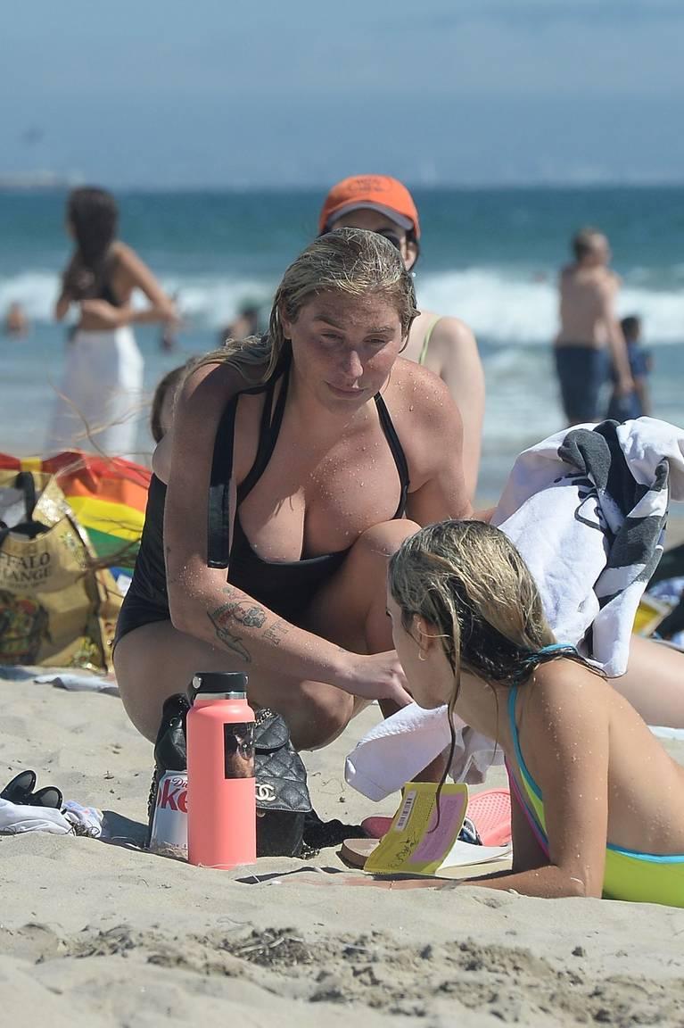 Kesha on Beach 25