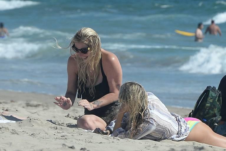 Kesha on Beach 27