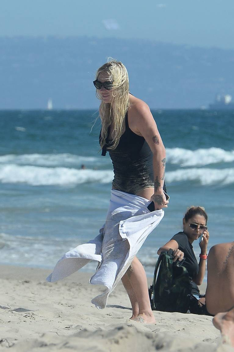 Kesha on Beach 39