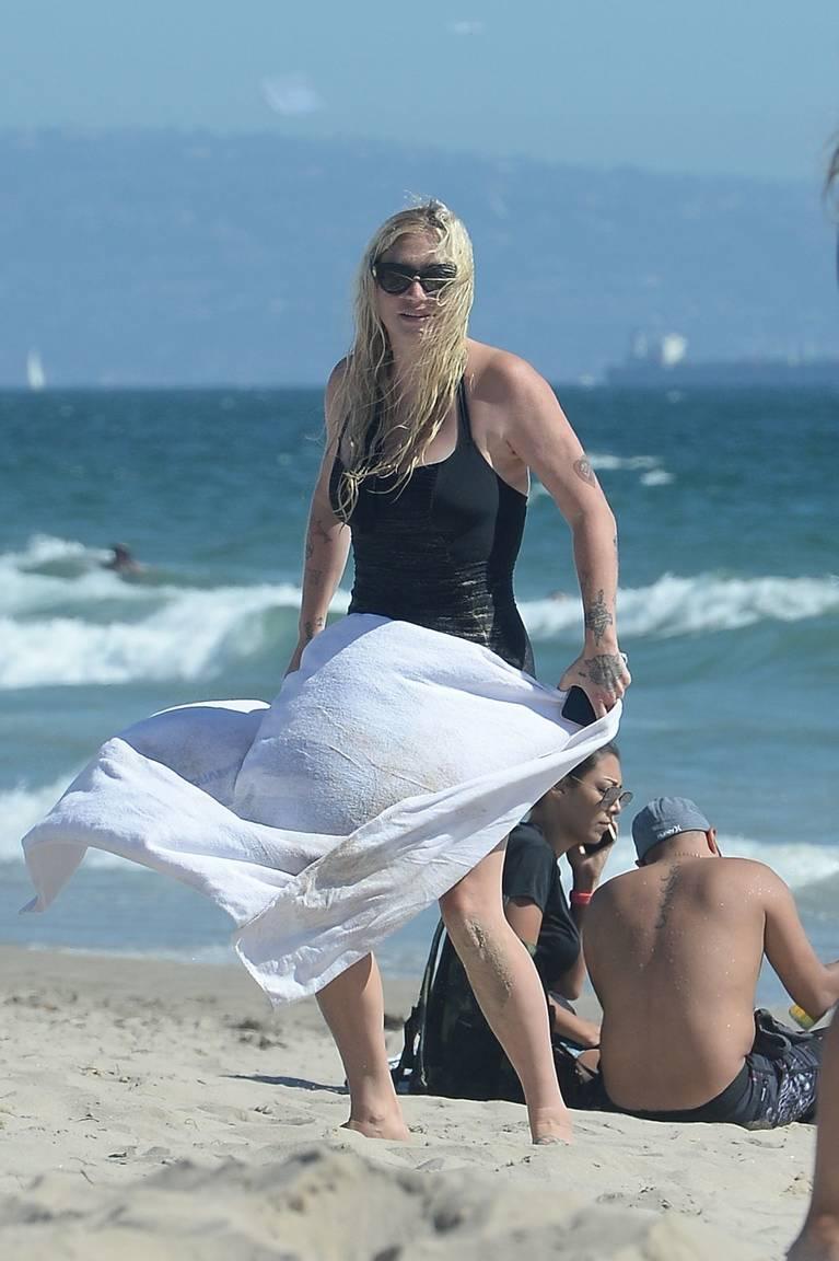 Kesha on Beach 44