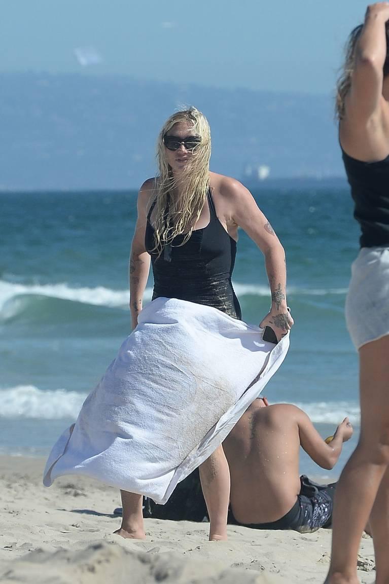 Kesha on Beach 46