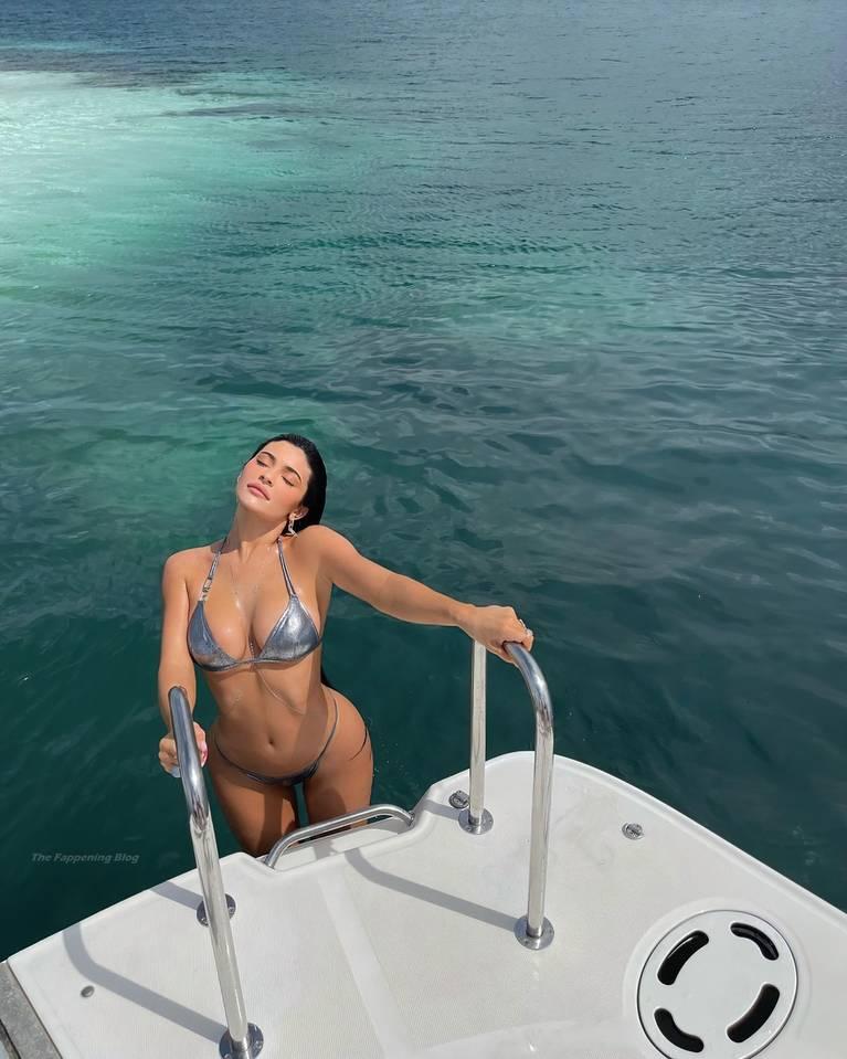 Kylie Jenner Bikini 1