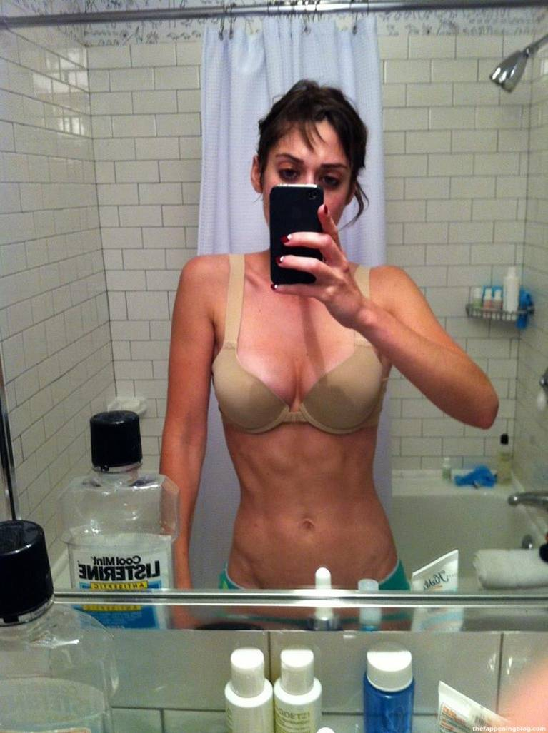 Lizzy Caplan Naked Sexy Leaked The Fappening 5
