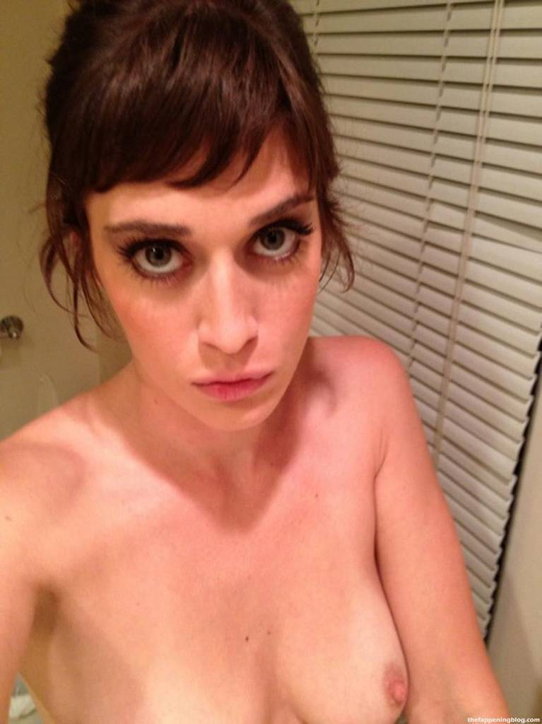 Lizzy Caplan Naked Sexy Leaked The Fappening 16
