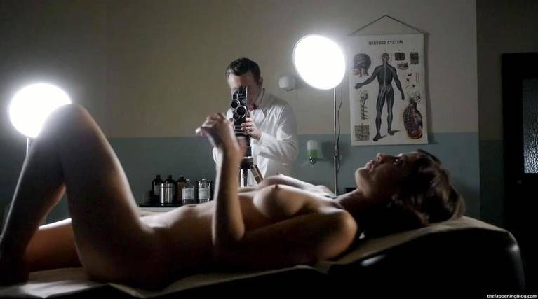 Lizzy Caplan Naked Sexy Leaked The Fappening 23