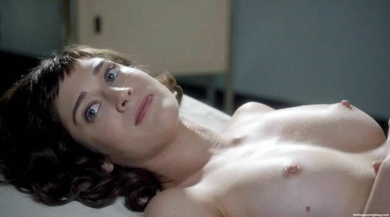 Lizzy Caplan Naked Sexy Leaked The Fappening 24