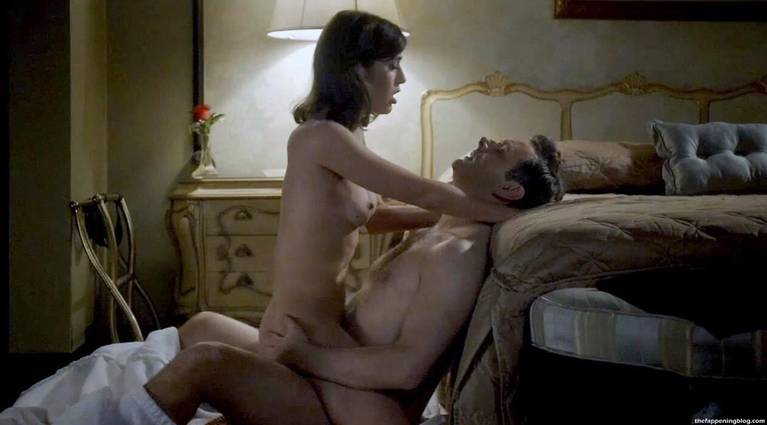 Lizzy Caplan Naked Sexy Leaked The Fappening 30