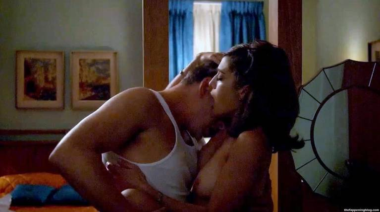 Lizzy Caplan Naked Sexy Leaked The Fappening 34