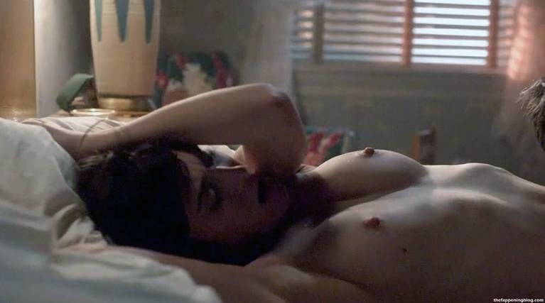 Lizzy Caplan Naked Sexy Leaked The Fappening 37